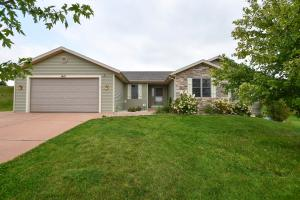 Property for sale at W1401 Valley View Ct, Ixonia,  Wisconsin 53036