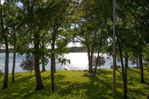 Property for sale at 3407 Lake Dr, Hartland,  Wisconsin 53029