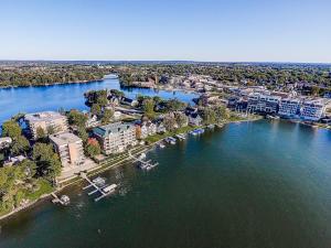 Property for sale at 326 N Lake Rd Unit: 2A, Oconomowoc,  Wisconsin 53066