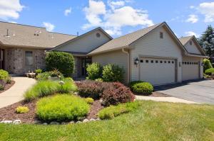 Property for sale at 530 Oak Ridge Dr, Hartland,  Wisconsin 53029