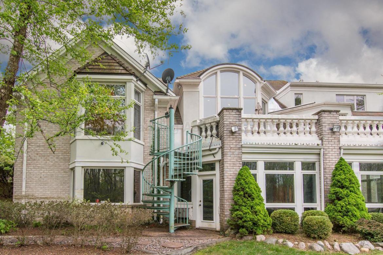 6401 Pine Hollow Drive, East Lansing, MI 48823, 6 Bedrooms Bedrooms, ,10 BathroomsBathrooms,Residential,For Sale,Pine Hollow,226317