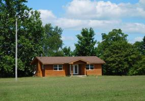 11150 Luce Road, Perrinton, MI 48871, 2 Bedrooms Bedrooms, ,1 BathroomBathrooms,Residential,For Sale,Luce,228644