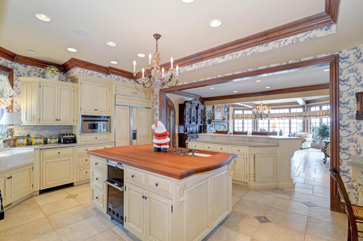 555 Maple Knoll Road, Coldwater, MI 49036, 6 Bedrooms Bedrooms, ,9 BathroomsBathrooms,Residential,For Sale,Maple Knoll,232495