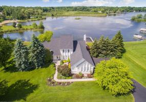 3035 Dana Pointe Drive, Pinckney, MI 48169, 4 Bedrooms Bedrooms, ,4 BathroomsBathrooms,Residential,For Sale,Dana Pointe,239228