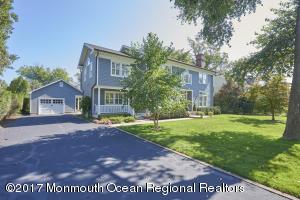 11 Monmouth Avenue, Rumson, NJ 07760