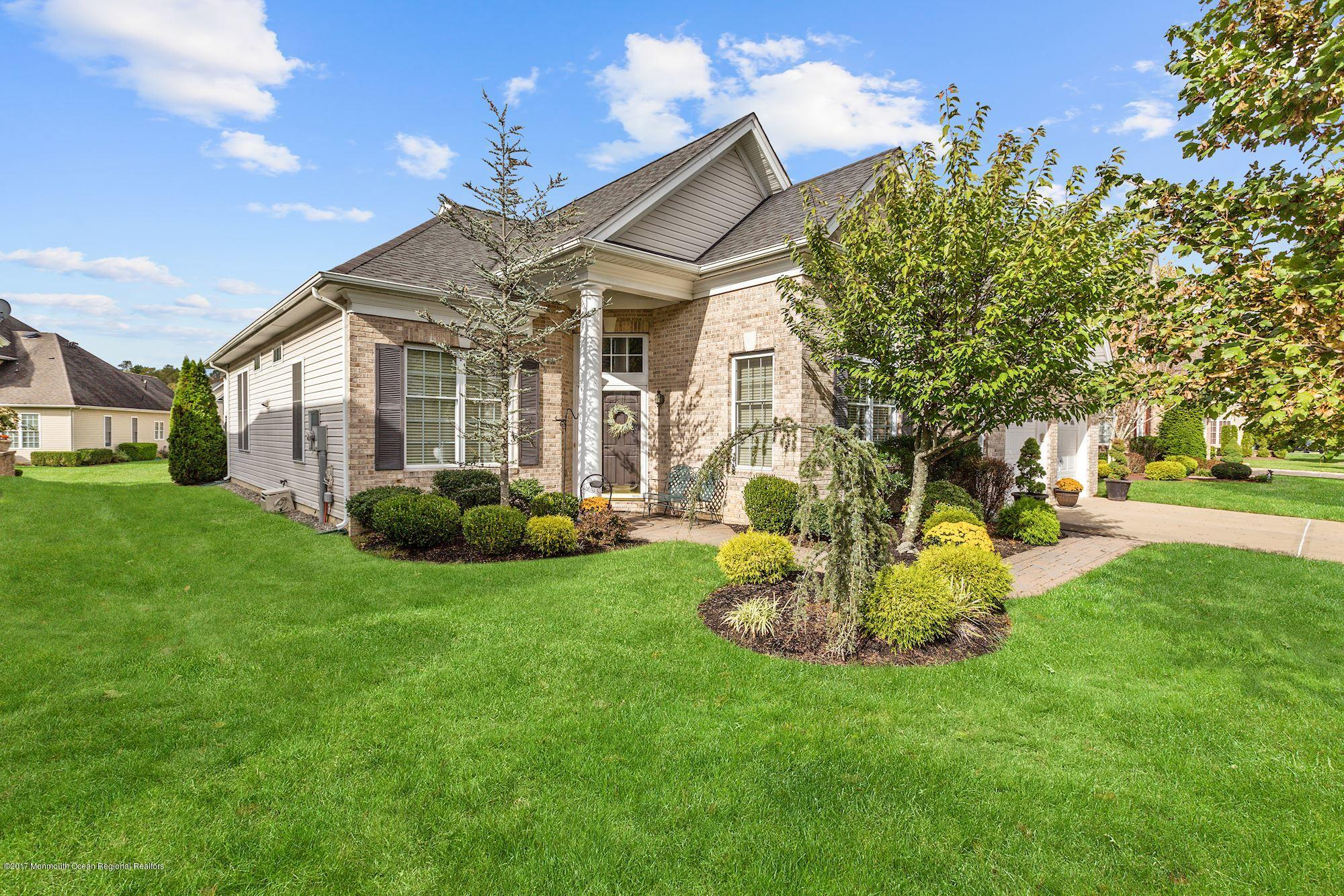 Homes for Sale with Tennis Courts