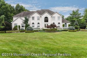 5 Old Cider Mill Road, Manalapan, NJ 07726