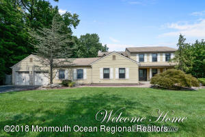 2 Salem Lane, Manalapan, NJ 07726