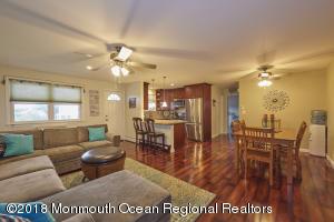 24 Wharfside Drive, Monmouth Beach, NJ 07750