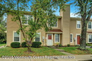 1 Alameda Court, Eatontown, NJ 07724