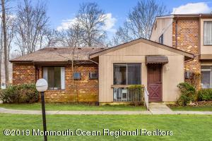 20 Manchester Court, Red Bank, NJ 07701