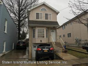 518 W Caswell Avenue, Staten Island, NY 10314