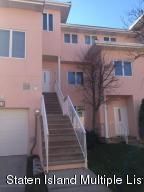 18 Harbour Court, Staten Island, NY 10308