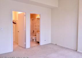8j 80 Bay Street Landing Staten Island,New York,10301,United States,2 Bedrooms Bedrooms,5 Rooms Rooms,2 BathroomsBathrooms,Res-Rental,Bay Street Landing,1115615