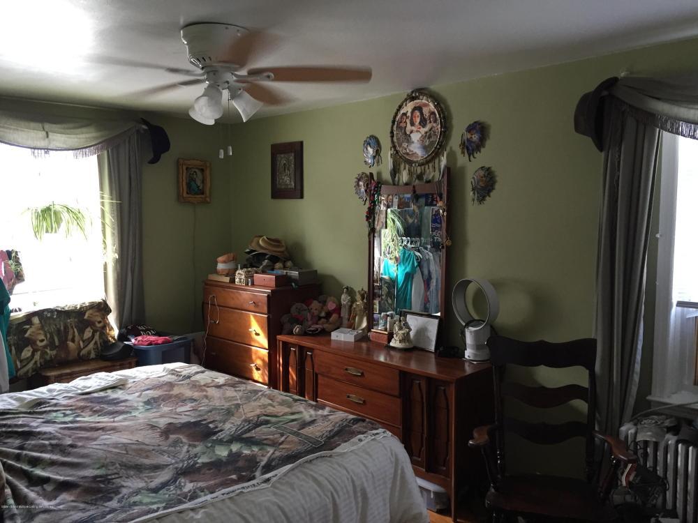 31 Coale Avenue,Staten Island,New York,10314,United States,2 Bedrooms Bedrooms,5 Rooms Rooms,2 BathroomsBathrooms,Residential,Coale,1123386