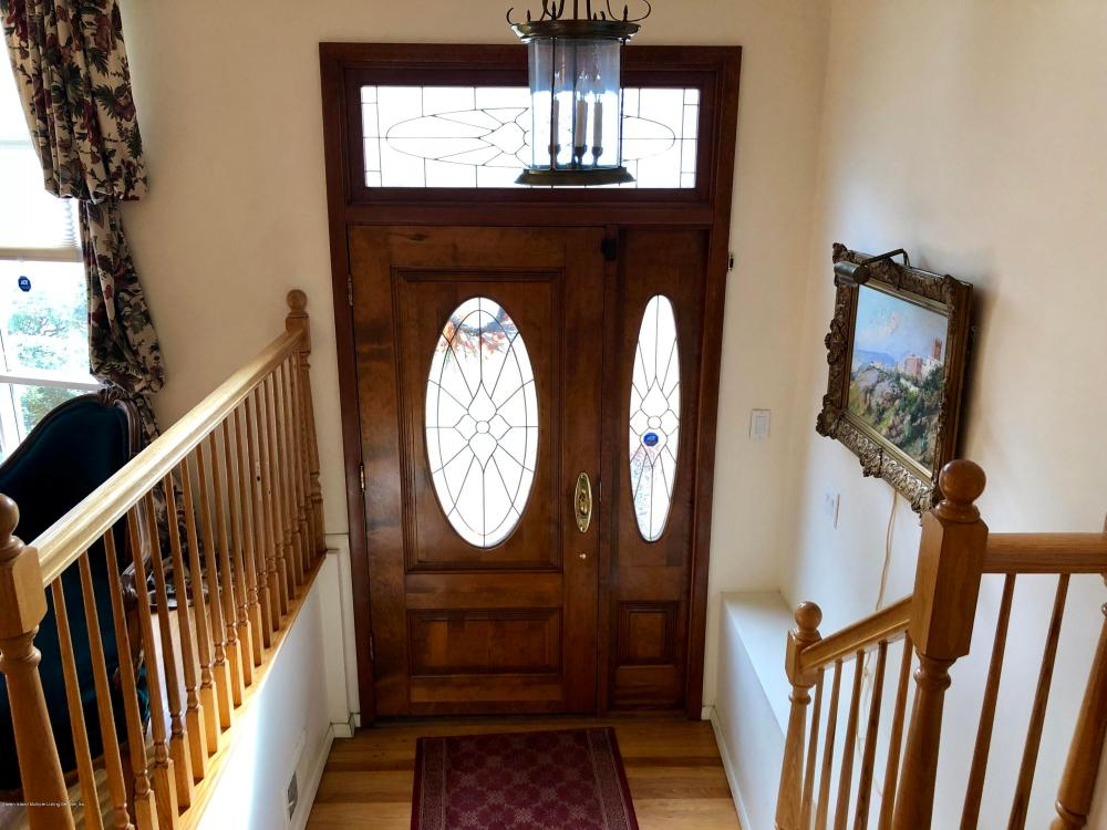 141 Cedarview Avenue,Staten Island,New York,10306,United States,4 Bedrooms Bedrooms,8 Rooms Rooms,3 BathroomsBathrooms,Residential,Cedarview,1124112