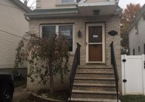 285 Lockman Avenue,Staten Island,New York,10303,United States,3 Bedrooms Bedrooms,6 Rooms Rooms,2 BathroomsBathrooms,Residential,Lockman,1124286