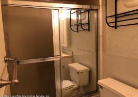 107 Jefferson Street,Staten Island,New York,10304,United States,2 Bedrooms Bedrooms,5 Rooms Rooms,3 BathroomsBathrooms,Residential,Jefferson,1124295