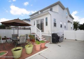 290 Candon Avenue,Staten Island,New York,10309,United States,4 Bedrooms Bedrooms,6 Rooms Rooms,2 BathroomsBathrooms,Res-Rental,Candon,1124296