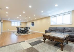 112 St. George Road,Staten Island,New York,10306,United States,4 Bedrooms Bedrooms,9 Rooms Rooms,5 BathroomsBathrooms,Residential,St. George,1124312