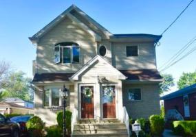 49 Hunter Avenue,Staten Island,New York,10306,United States,2 Bedrooms Bedrooms,6 Rooms Rooms,1 BathroomBathrooms,Res-Rental,Hunter,1124347