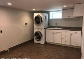 16 Raleigh Avenue,Staten Island,New York,10310,United States,2 Bedrooms Bedrooms,5 Rooms Rooms,2 BathroomsBathrooms,Residential,Raleigh,1124392