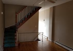 A 300 Woodbine Avenue,Staten Island,New York,10314,United States,2 Bedrooms Bedrooms,5 Rooms Rooms,2 BathroomsBathrooms,Residential,Woodbine,1124419