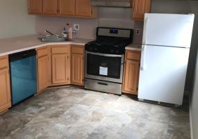 62 Eric Lane,Staten Island,New York,10308,United States,3 Bedrooms Bedrooms,7 Rooms Rooms,2 BathroomsBathrooms,Res-Rental,Eric,1124429