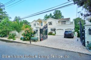 80 St James Place, Staten Island, NY 10304