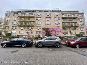 175 Zoe Street, 5p, Staten Island, NY 10305