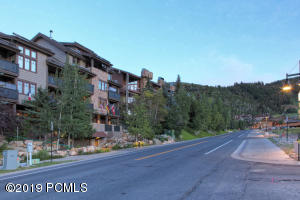 Luxury Penthouse Condo steps to Deer Valley