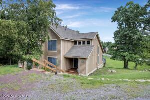 164 Pine Ct, Tannersville, PA 18372