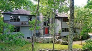 807 Elm Court, Lords Valley, PA 18428
