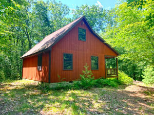 209 White Deer Lake Rd, Hawley, PA 18428