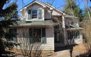 110 Pinewood Dr, East Stroudsburg, PA 18302