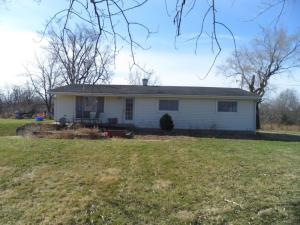 2524 County Road 2355, Moberly, MO 65270