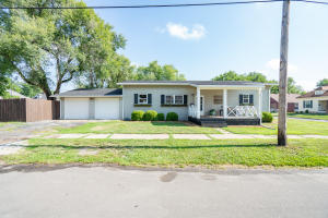 717 E Carpenter, Moberly, MO 65270