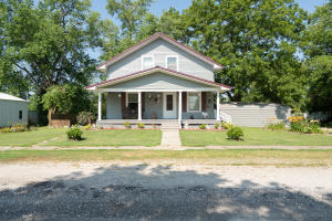 1002 Olive St., Laclede, MO 64651