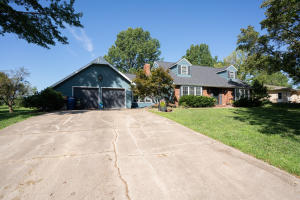 206 Percy Lane, Brookfield, MO 64628