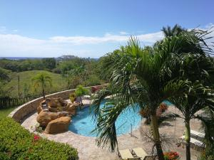 2 Bed 2 Bath, Sea Views + Pool, Pineapple Villa # 322, Roatan,