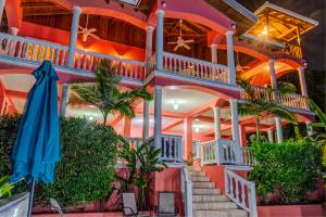 at West Bay Beach, Seaside Inn, Roatan,