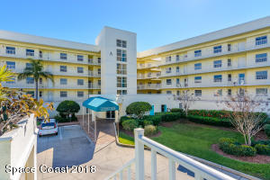 Property for sale at 8700 Ridgewood Avenue Unit Ph6a, Cape Canaveral,  FL 32920