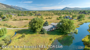 1560 N BROKEN WHEEL LANE, Wilson, WY 83014