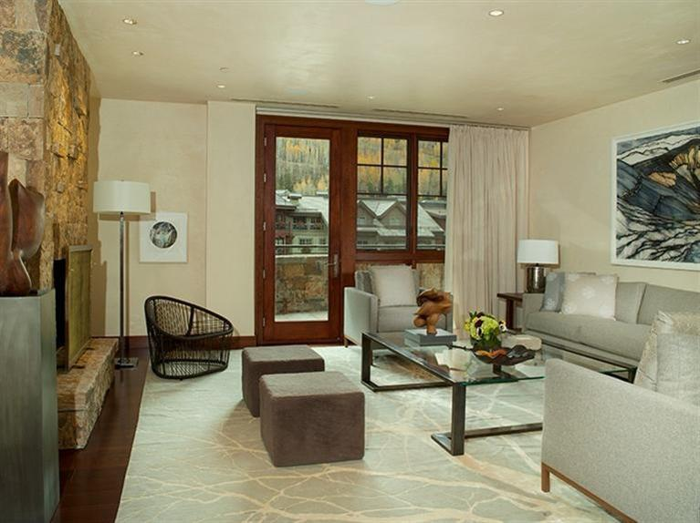 Five Star Services And Amenities, Lockers At The Ski Lift, High End Quality Building With All The Technology, Superb Finishes, Air Conditioning And Everything Else Your Clients Will Like!