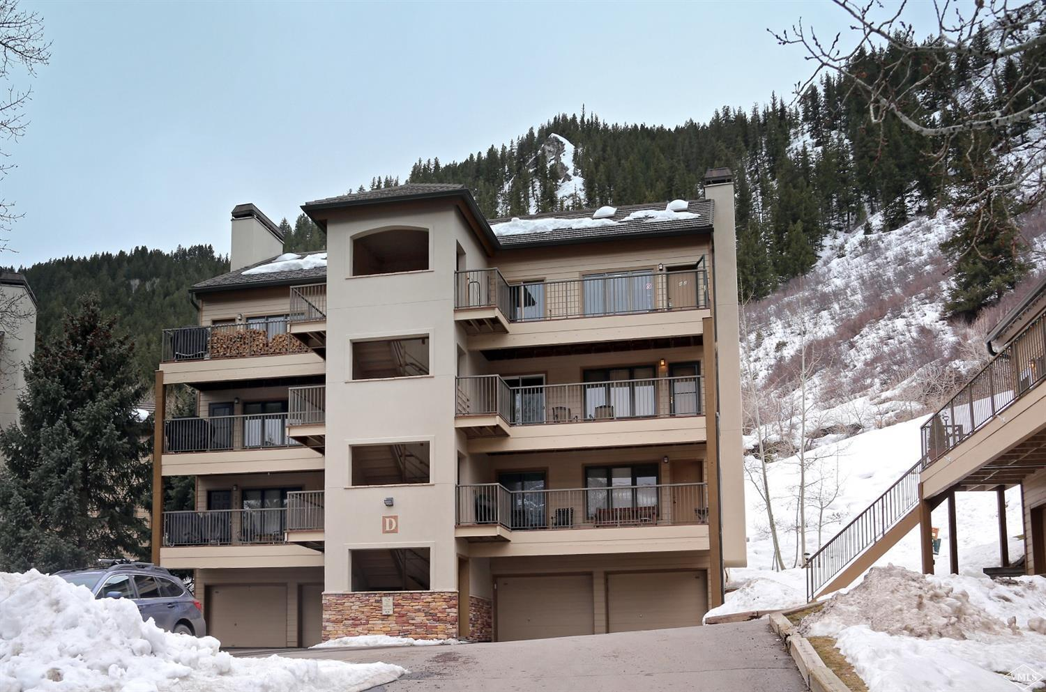 Very nice 2-bedroom, 2-bath condominium in River Oaks Condominiums and just 1/2 mile east of Beaver Creek entry. New engineered wood floors, new paint, and new stove. Includes a over sized one car garage with great shared storage.