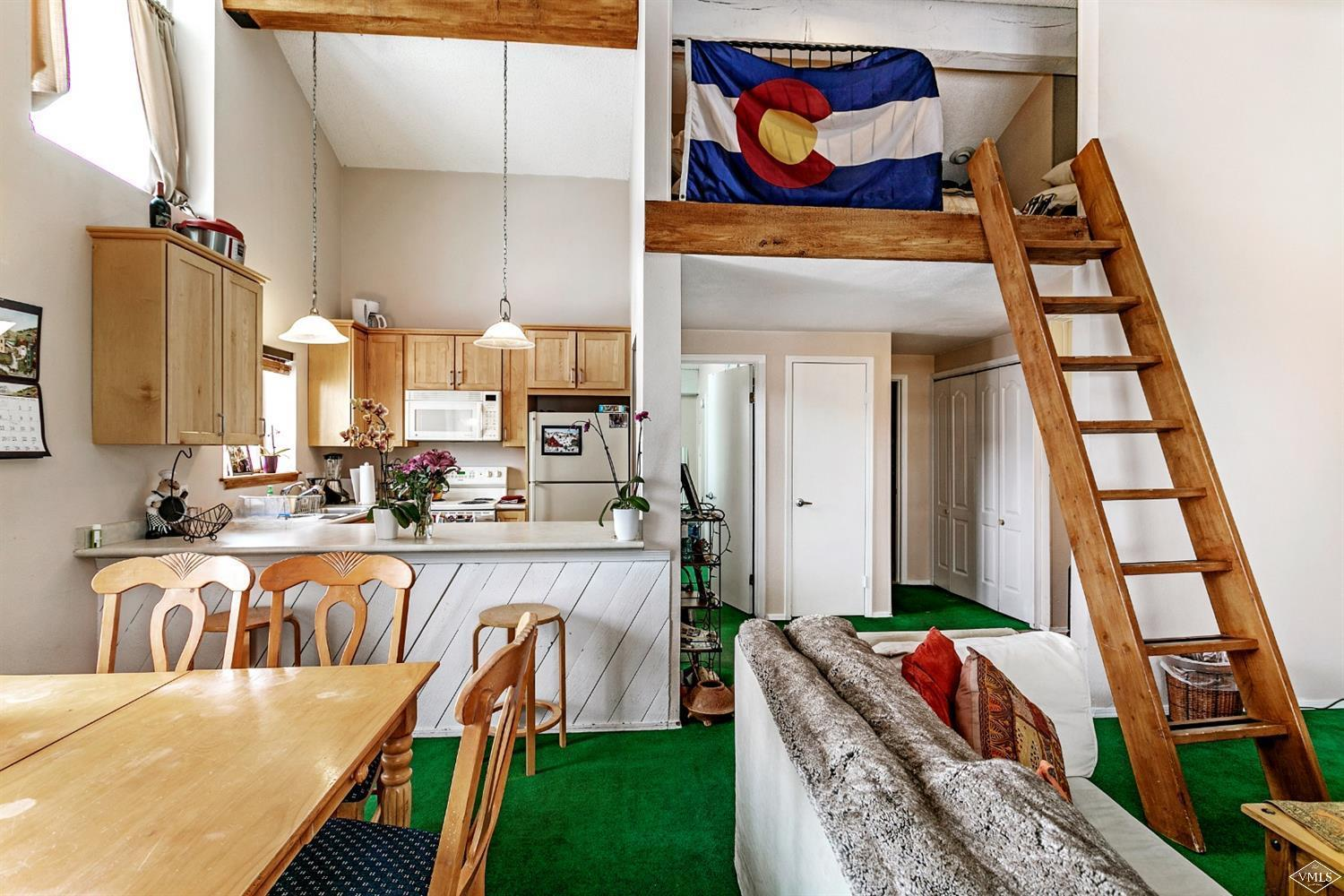 This top floor residence in Beaver Creek West features vaulted ceilings and incredible views of Beaver Creek mountain as well as Game Creek Bowl in Vail. In addition to the spacious 1-bedroom, this unit offers an additional loft space with amenities that include a swimming pool, kiddie pool, two hot tubs, shuttle service and onsite management. Being one of only two 1-bedroom residences in the complex, the rental history is excellent.