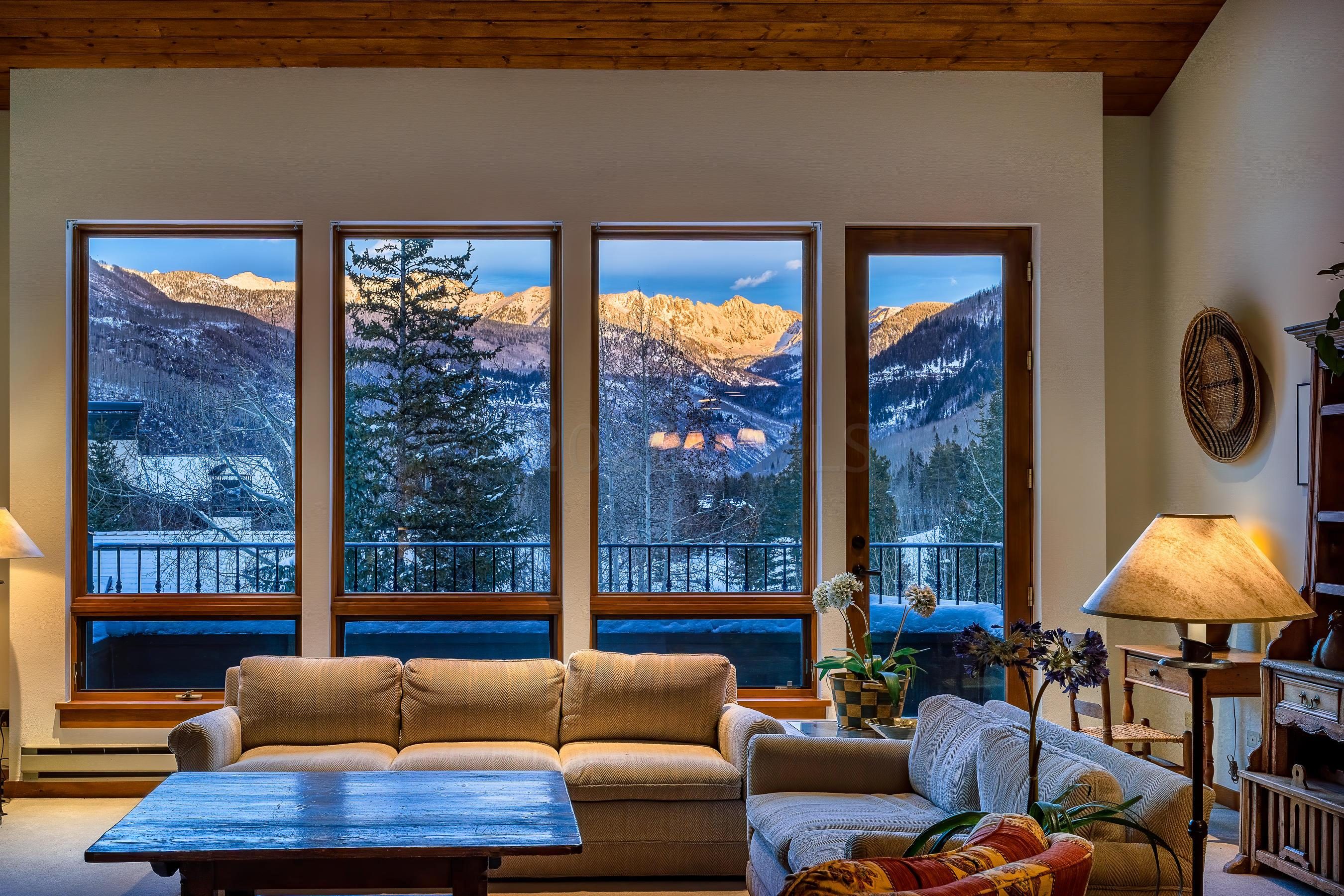 Ski in Ski outBest view of Gore Range in NorthwoodsPool and JacuzziExercise RoomExcellent on site condominium office and excellent managementAdditional storage in garage,Lobby