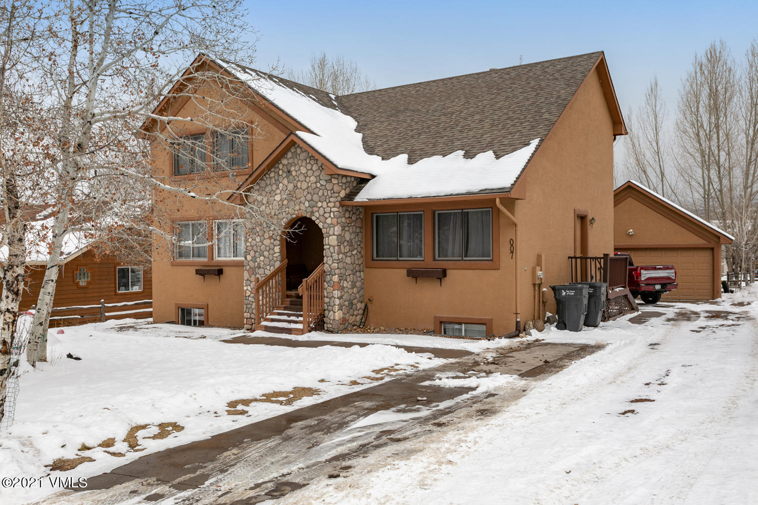 Fantastic opportunity to own in the Terrace in Eagle, walking distance to theaters, restaurants, hiking and biking trails and close to all Eagle has to offer. This 5 bed 4 bath home has 2 separate living areas, a separate lock-off in the basement with private entrance.
