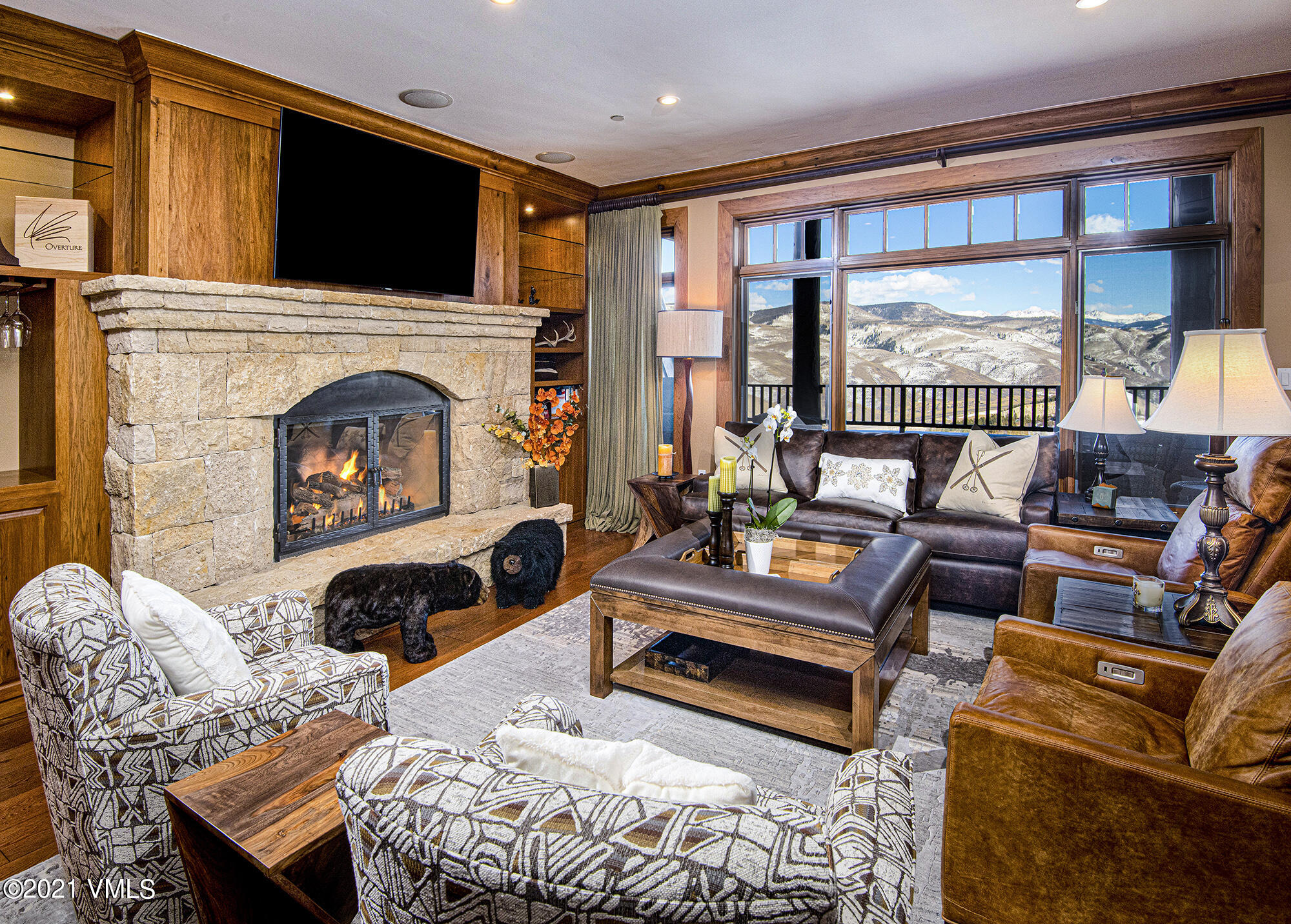 Exclusive offering in Bachelor Gulch boasting majestic views of Vail Valley's famed mountain peaks, the Gore Range and the surrounding ski slopes. Horizon Pass Lodge 410 exudes a feeling of comfort and elegance with a large great room featuring a handsome stone fireplace with custom cabinets flanking each side and warm toned, wide plank wood floors. The living space seamlessly flows to the open style kitchen where beautiful Quartzite countertops softly shimmer and are complemented by marble subway tile backsplash, high end appliances, and an enviable walk in pantry with great storage, shelving and a wine refrigerator. A large private deck is sure to delight whether you are enjoying your morning coffee as you watch the sunrise or stargazing at night. Both guest bedrooms feature en-suite baths and pull out sleeper sofas. The den offers an extra sleeping space with bunks and sleeper sofa. Horizon Pass Lodge has a perfect ski-in ski-out experience, fitness room, ski lockers, air conditioning and outdoor pool and hot tubs.
