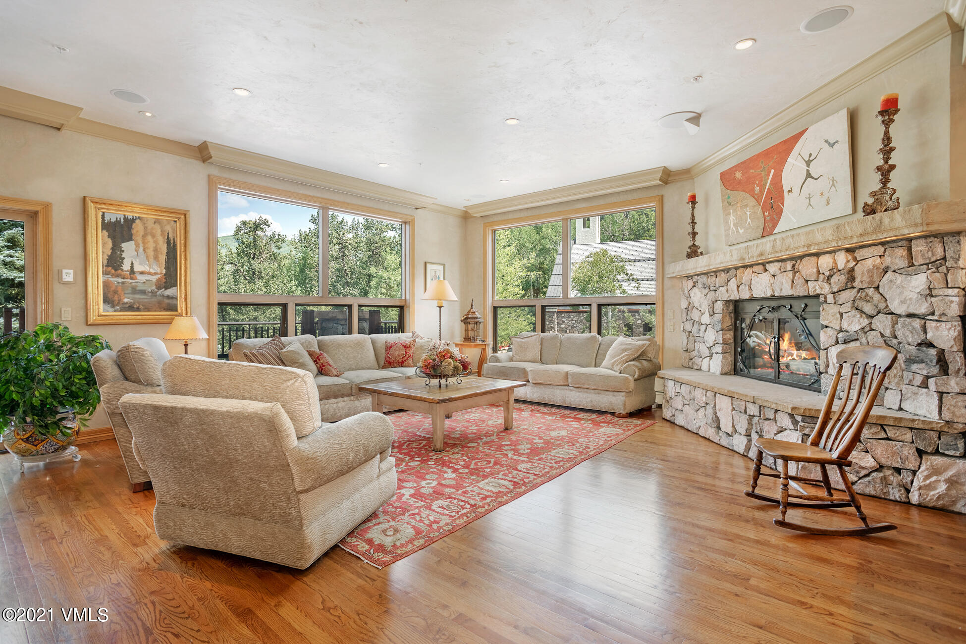 Resort living at its best! 5 bedrooms to accommodate family and friends with an enviable ski in and out location PLUS an attached 2 car garage! This home offers easy walking to everything within the resort core: the Beaver Creek Club, Strawberry Park Chairlift, Vilar Center, Ski School, Nordic Center, Beaver Lake trailhead and amazing restaurants and shopping. Beautiful views and all en-suite bedrooms make this the perfect resort home. Owners have full use of the Osprey Resort including outdoor heated pool, hot tub, fire-pit, fitness center and steam. Pamper yourself!